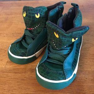 Dinosaur print high-top sneakers